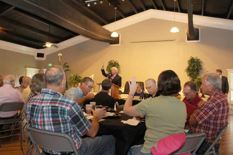 Wicker-at-CRA-mtg Senator Addresses Retirees At Luncheon