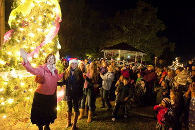 os-tree-lighting Ocean Springs Tree Lighting Moved to Community Center